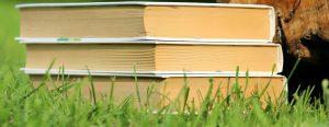 kirjat ovat opiskelun tärkeimpiä välineitä vielä tänäkin päivänä